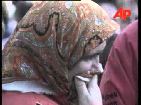 BOSNIA: TUZLA: MUSLIM PROTEST OVER MISSING FATHERS AND SONS February 01, 1996