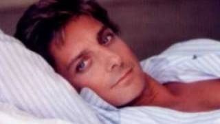 Watch Barry Manilow Some Kind Of Friend video