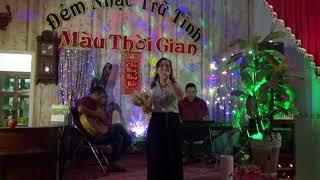 Phương Nhung  -  Cô Bé Ngày Xưa  st  Hoài Linh.