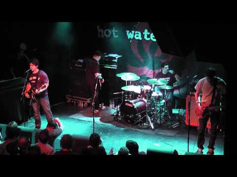 Hot Water Music - Rooftops/Paperthin || live @ 013 Tilburg || 08-08-2011