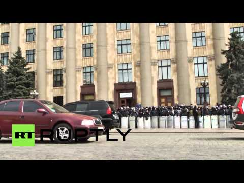 Ukraine: Kharkov's protesters want a referendum like Crimea