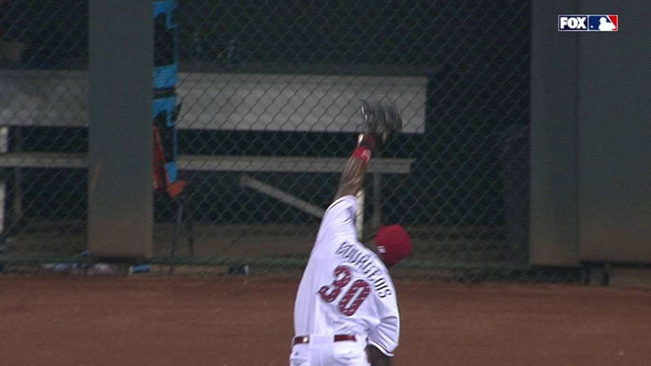 MIL@CIN: Bourgeois steals hit with great running grab
