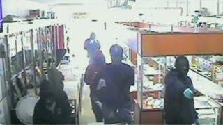 laptop stealing scene, funny videos, Videos, awareness videos, laptop thief CCTV camera video
