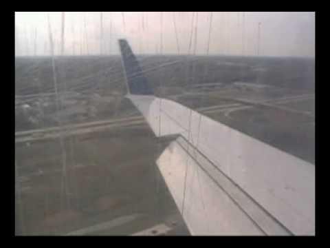 CRJ-200ER Landing KDTW 41310
