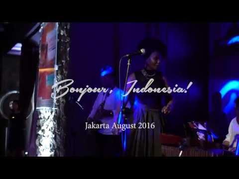 Bonjour, Indonesia!  Art Porters in Jakarta, August 2016