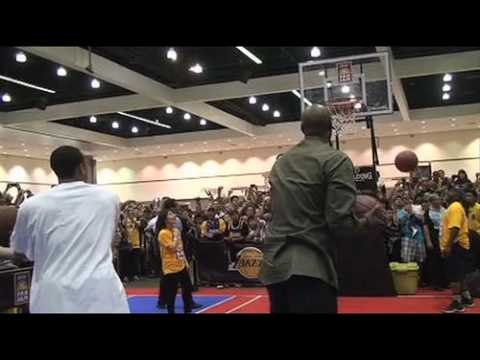 Lakers' Lamar Odom and Shannon Brown break Guinness World Record Video