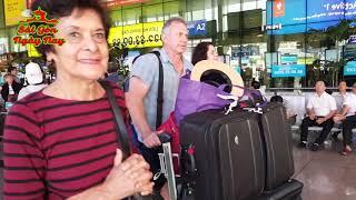 Sân bay Tân Sơn Nhất chật kín Việt Kiều về Sài Gòn ăn Tết