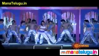 Priyamani performing at SIIMA Awards 2012