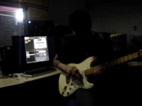 Felipe Dalpiaz - Crash An Burn ( Yngwie Malmsten) video