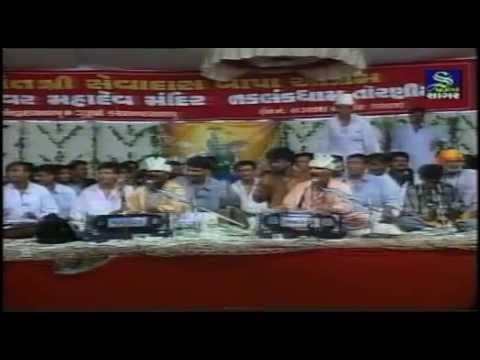 Ramdas Gondaliya Harsukhgiri Goswami Jugalbandhi Dhammal - Part - 1 video