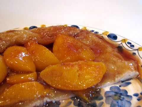 Tarte tatin with peaches — Great recipe in 30 minutes!