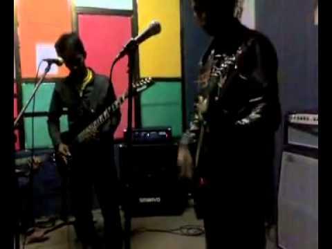 ngentot di studio band batam 1 cewe 5 cowok