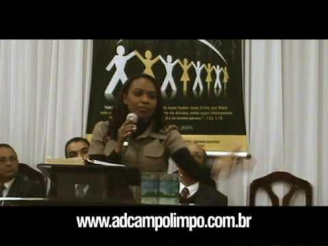 Miss. Isa Reis ministrando no 28º aniversário da AD Campo Limpo - 2009 (4/6)