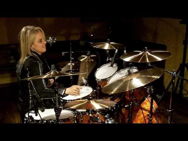 """NIKBeatTV: David Garibaldi Drum Cover - Nikke Blout (NIKnSTIX) performs """"4-N Matter"""""""