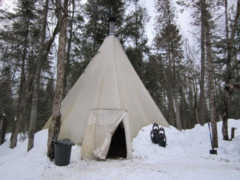 OVERNIGHT IN A TIPI (TEEPEE) !