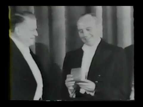 Jack Benny: 10th Anniversary Party 1941 (Paramount Newsreel)