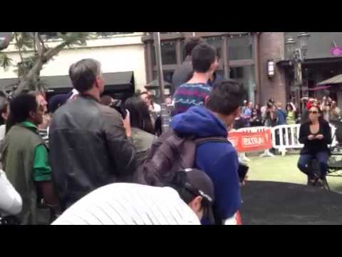 Sam Worthington - extra at the Grove 4-30-2013 vid 1