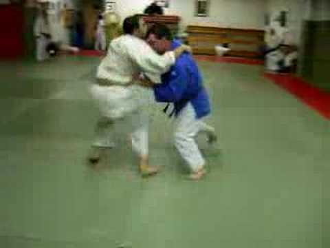 Judo Instructional - Morote Gari (from grip) Image 1