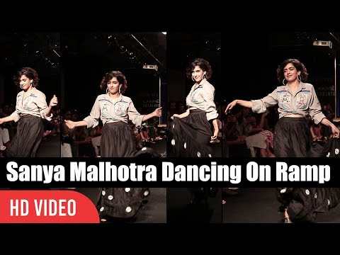 Dangal Girl Sanya Malhotra Ramp Walk | Lakme Fashion Week Winter Festive 2017 | Sanya Dance On Ramp thumbnail