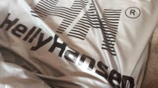 Second vid with my old puffer Helly Hansen silver/black , on floor this time :)