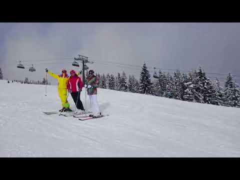 International friends skiing in Kaprun and Zell am See