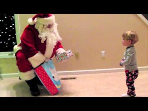 Santa Comes to Visit - 2010.mov