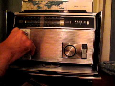 Tuning SINGLE SIDE BAND station with Zenith Royal 7000-1 Radio