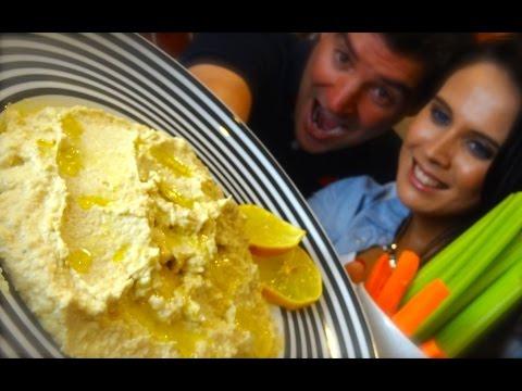 Lemon Hummus: Showing Holly Sheeran how to make her own