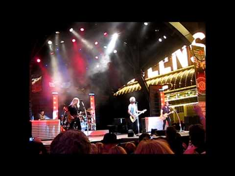 REO SPEEDWAGON - RIDIN THE STORM OUT - VEGAS 2014