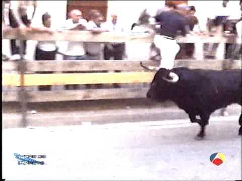 Cogida en el encierro de Rincon de Soto el 3 de Agosto de 2003