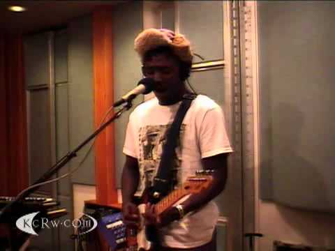 Bloc Party - Signs - Live on KCRW (2009)