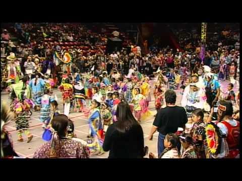 Tiny Tots - 2014 Gathering of Nations - PowWows.com