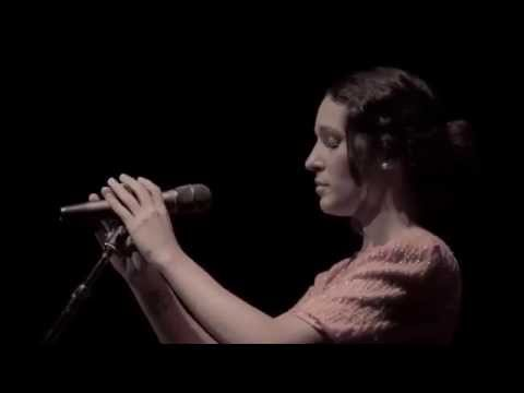Ileana Cabra PG-13 - A tu vera (En Vivo)