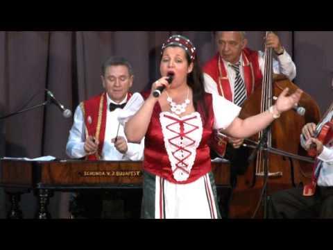 Wolskyné Farkas Mónika énekel Jázminbokor Magyar Nóta Egyesület Püspökladány 2017.04.08