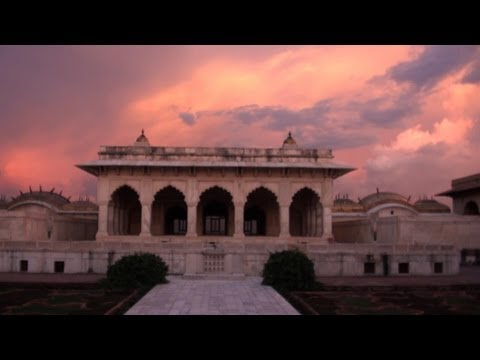 Anguri Bagh and Khas Mahal in twilight