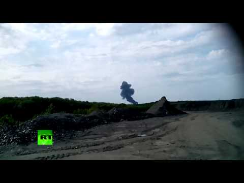 RAW: Moment of MH17 Malaysia Airlines plane crash in Ukraine caught on camera