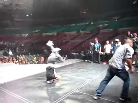 Justin Bieber Soundcheck Dance Battle Music Videos