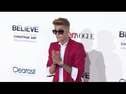 Teen Singer Justin Bieber Arrested for Allegedly Drag Racing and DUI