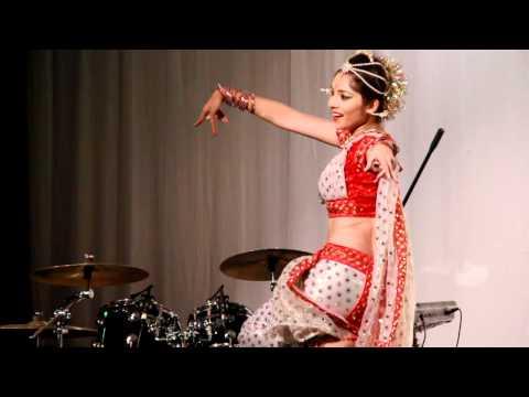Apsara Aali ..dance Performance By Sonali Kulkarni In London video