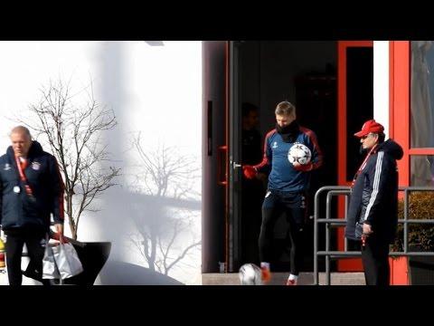 Bayern-Verfolger schwächeln - Schweinsteiger-Comeback