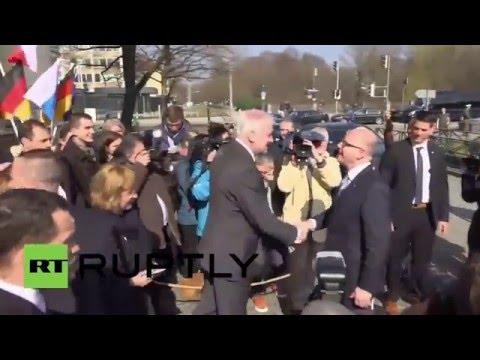 Germany: Seehofer meets Czech PM Sobotka for talks on refugee crisis