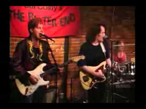 Tommy James & The Shondells - Sweet Cherry Wine (live) video