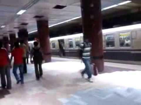 Calcutta Metro Rail - Oldest and Cheapest Indian Metro Rail Video