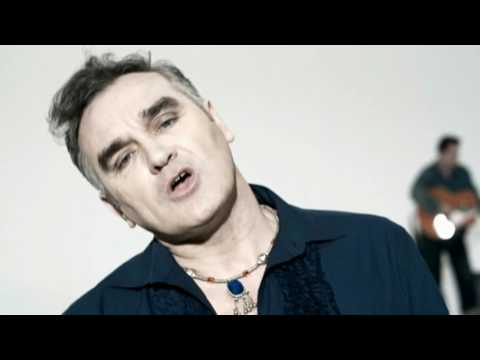 Morrissey - I&#039;m Throwing My Arms Around Paris