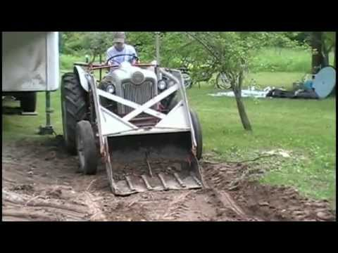 Digging and Moving Dirt with the Ford 1953 Jubilee Tractor