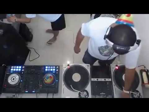 Na Batida   Aniversário Dj Toddy Radio Mix Brasil 20150905 142328 214