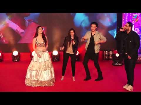 "Download Lagu  Asees Kaur, Badshah Live Perfomance at ""Akh Lad Jaave"" | Ayush Sharma | Warina Hussain Mp3 Free"