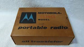 1957 Motorola 6X32E transistor radio unboxing (made in USA, or course)