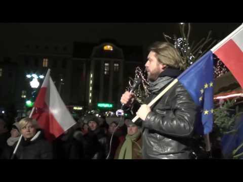 Manifestacja KOD i opozycji w Ostrowie Wielkopolskim