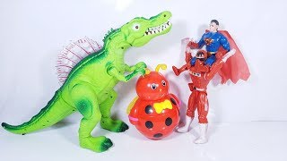 Đồ chơi siêu nhân cảnh sát hợp sức superman thu phục khủng long